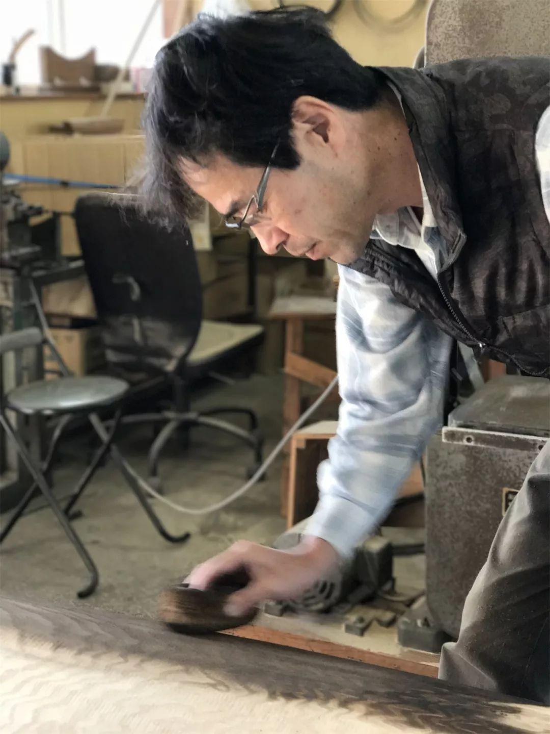 用日本傳統工藝打開中國古箏市場的第一人丨日本光安琴製造株式會社的世紀回眸